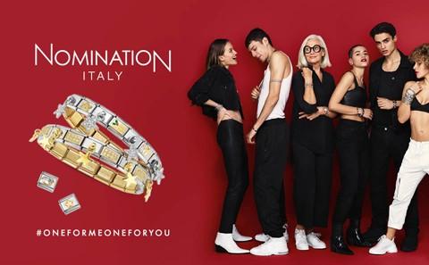 red nomination background 6 models & bracelet